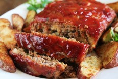 https://threegallonsofcrazy.com/2017/03/07/best-meatloaf-ever/