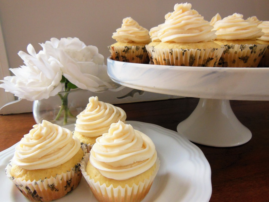 Orange cupcakes with smooth buttercream icing - recipe
