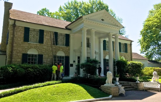 Graceland Mansion being repainted