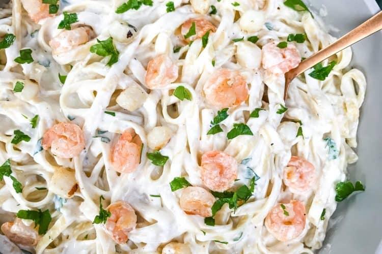 Copycat Olive Garden Seafood Alfredo