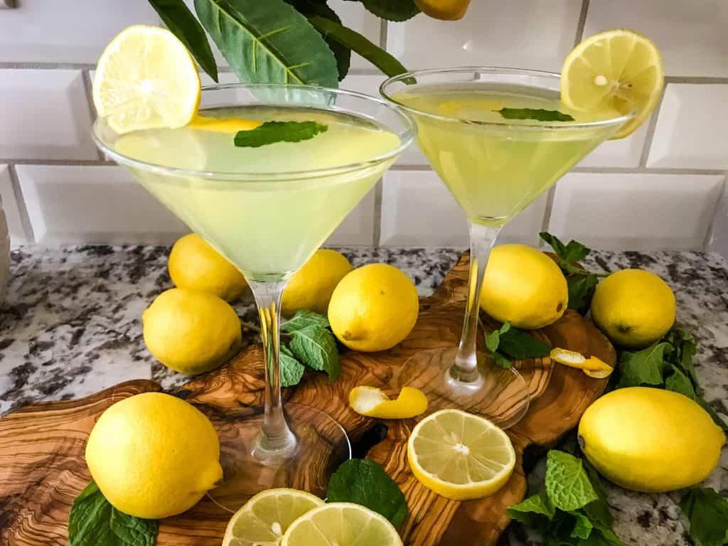 Two Amalfi Martini Limoncello with lemons and mint