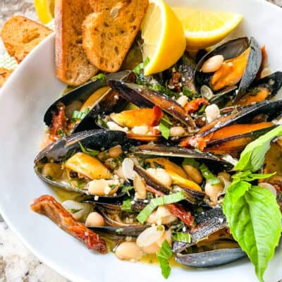 Copycat Maggiano's Tuscan Mussels