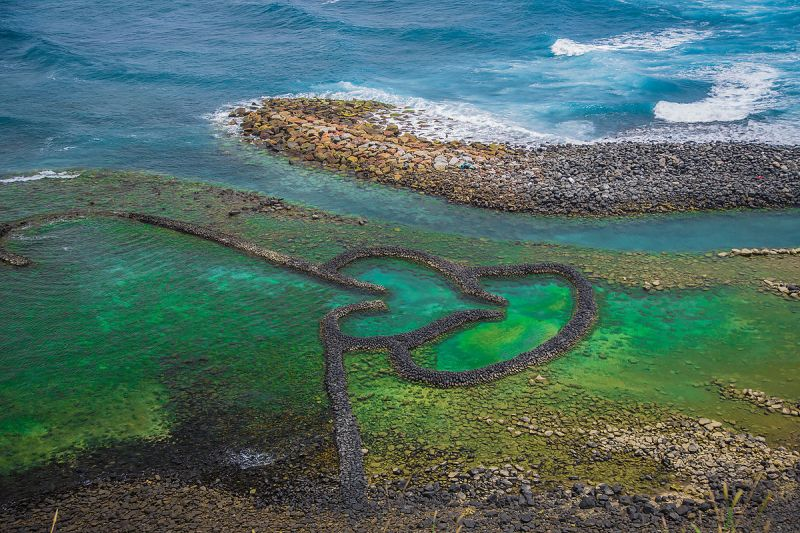 Double-heart shape stone weir - Taiwan