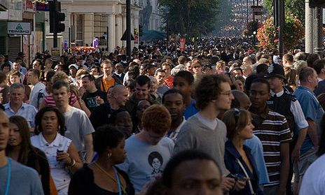 notting_hill_carnival_crowd_-_august_2006