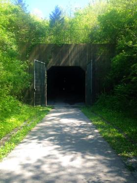 gap tunnel entrance