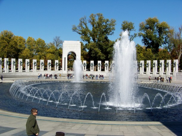 WW II Memorial Fountains Photos by Mike Hartley