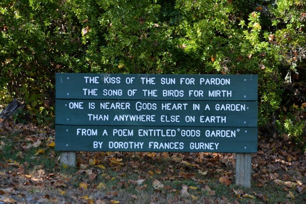 Sign at trail entrance. Photo by Mike Hartley