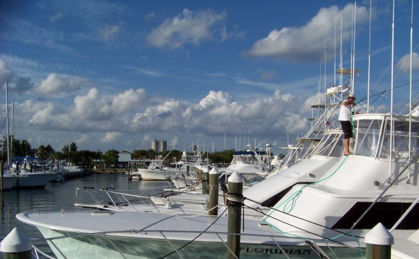 Washing up after a successful day of fishing on the Floridian. Photo by Mike Hartley