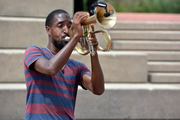 He can play that horn. Photo by Mike Hartley