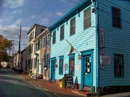 One of the many colorful buildings. Photo by Mike Hartley