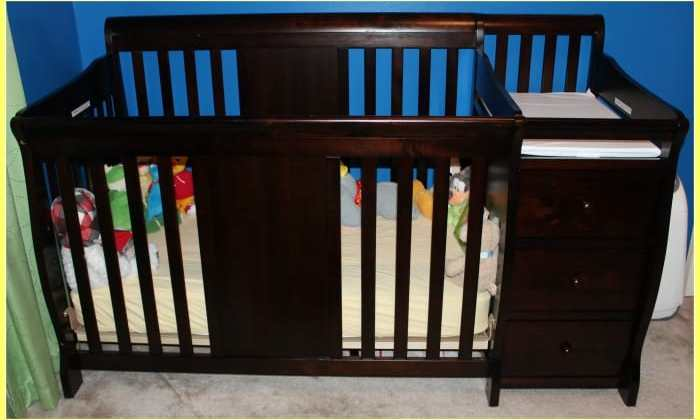 Storkcraft Calabria Crib N Changer Review
