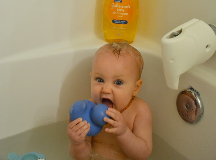 4 Fun Games for Bath Time {That Your Little Ones Will Love ...