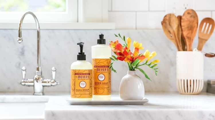 FREE Mrs. Meyer's Fall Scents from Grove Collaborative!