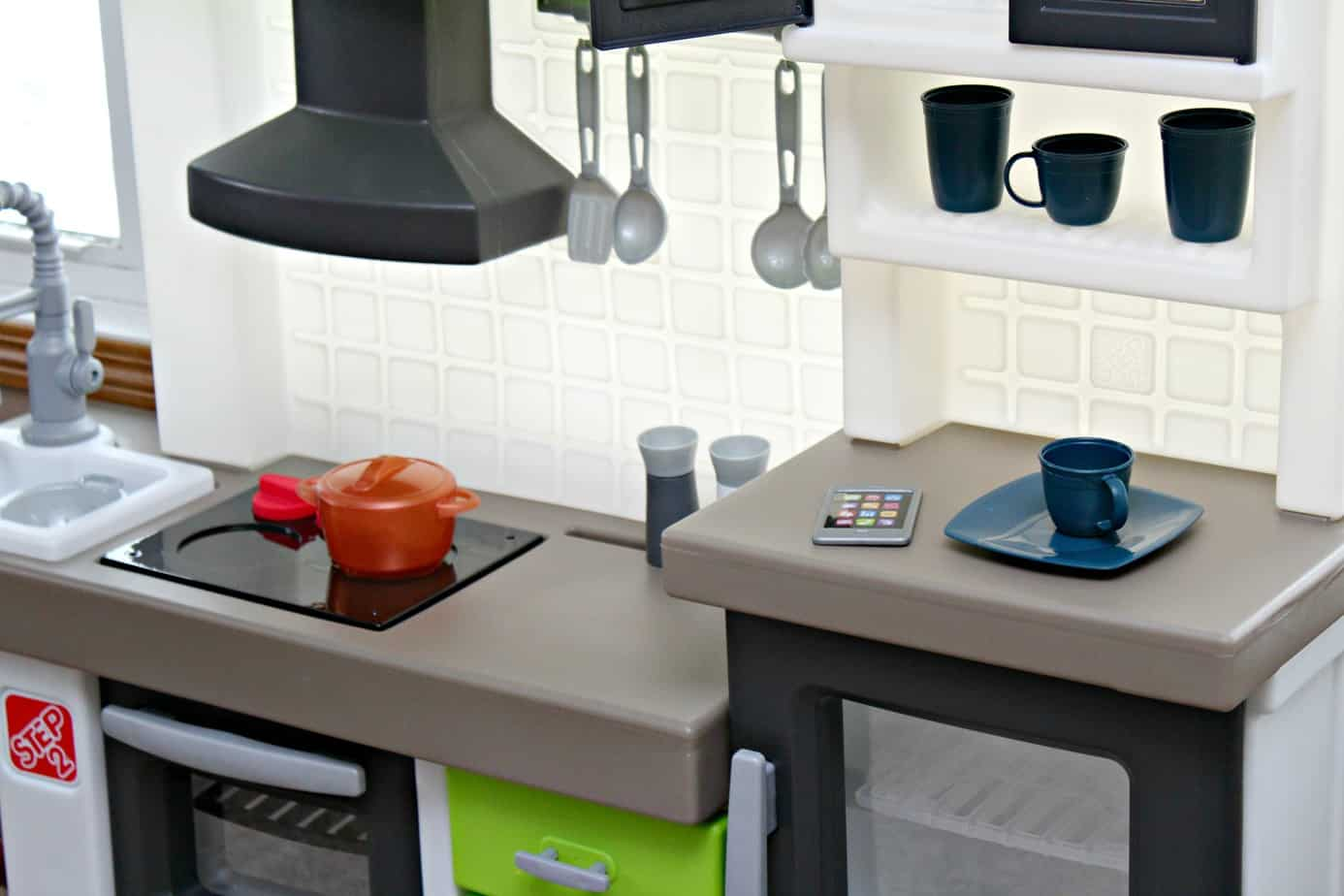Step2 Euro Edge Kitchen {+ Giveaway} - Thrifty Nifty Mommy