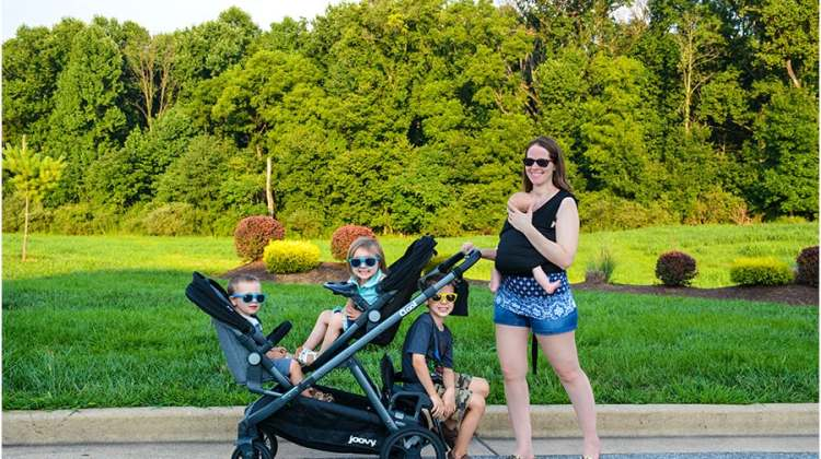 Joovy Qool Stroller Review – The Stroller For One to Three Kids!