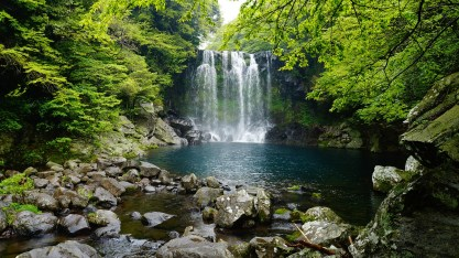 jeju-island-falls-cheonjeyeon-1594588_1920