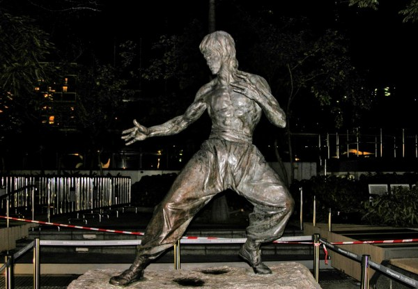 Avenue of Stars Bruce Lee statue