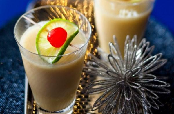 Snowball cocktail