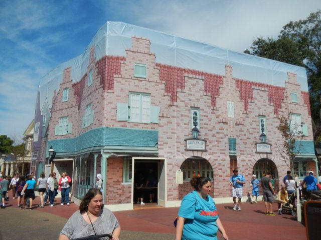 A few other misc. photos throughout the Magic Kingdom.  Some exterior work being done in Liberty Square
