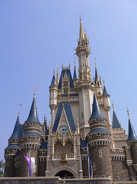 446px-TDL_Cinderella_Castle_New_Color