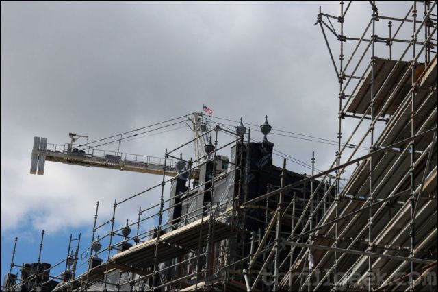 These ornaments have been placed atop the London facade