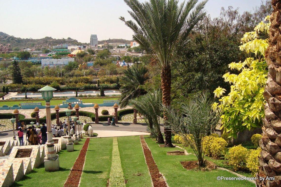 Themed gardens in the Ramoji Filmcity, Hyderabad
