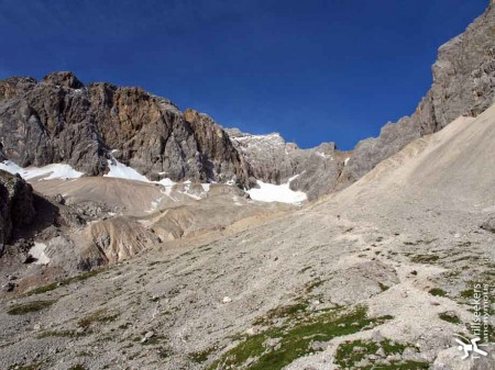 The end of the valley, the glacier, and the Zugspitz