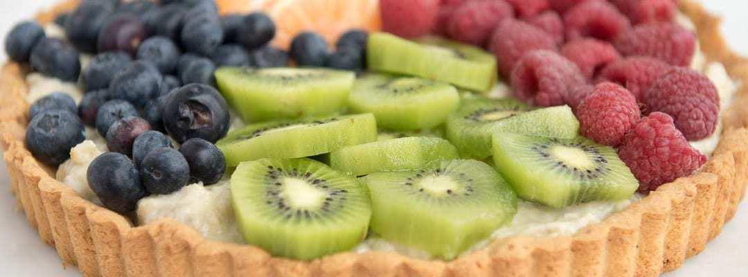 Paleo Fruit Tart with Banana Cream