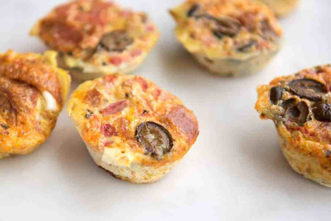 Paleo Pizza Egg muffins - a gluten-free and dairy-free make ahead breakfast recipe that is easily portable