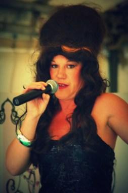 girl singer 3
