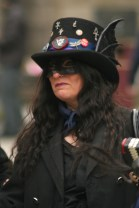 mask lady 3