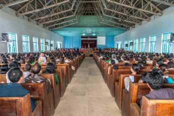 A full church in Falam