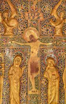 Christ on the cross, Mary and John on either side