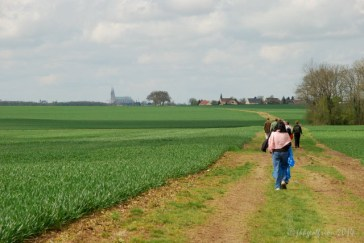 Walking through the Beauce countryside to Chartres