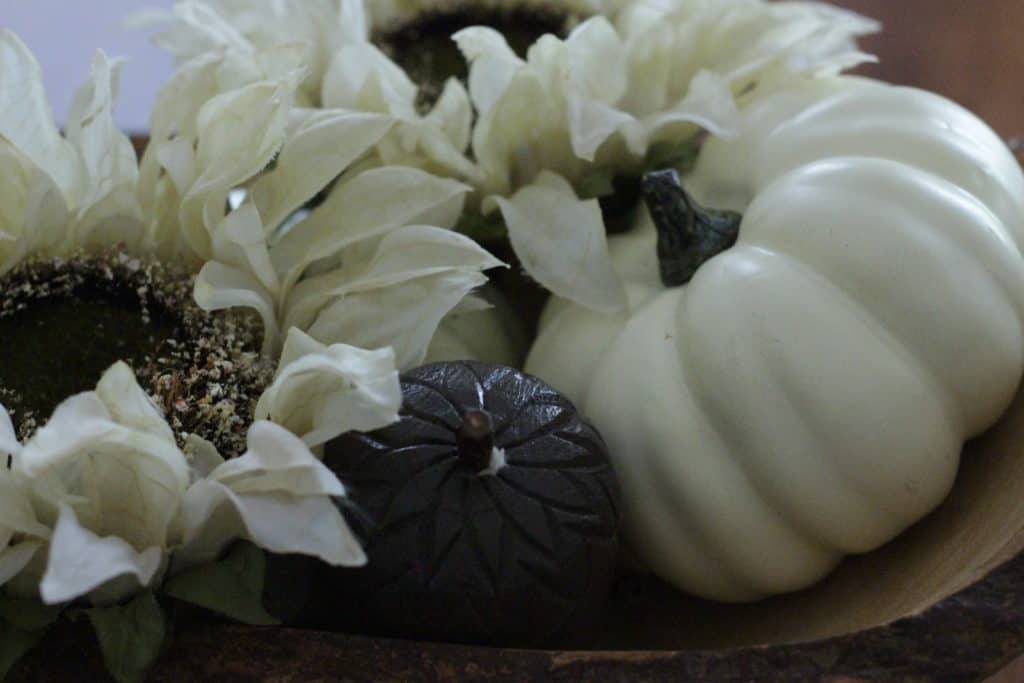 5 Simple Ways To Decorate With Pumpkins For Fall