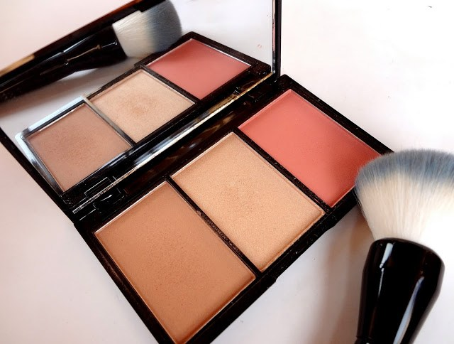 Makeup Revolution Blush, Bronze & Brighten Palette in Rave
