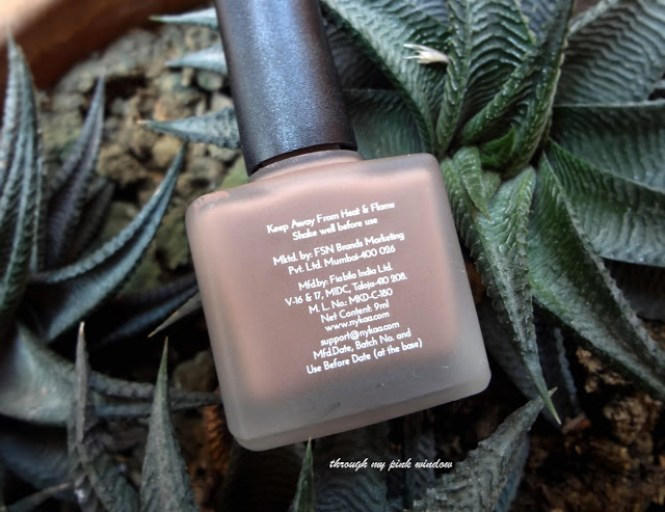 Review of Nykaa Matte Nail Lacquer in 126 Spice Gingerbread