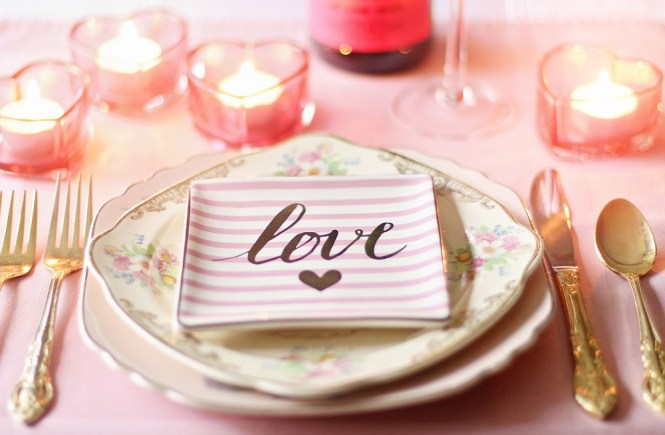 Guide to Choose the Right Romantic Restaurant for a Date