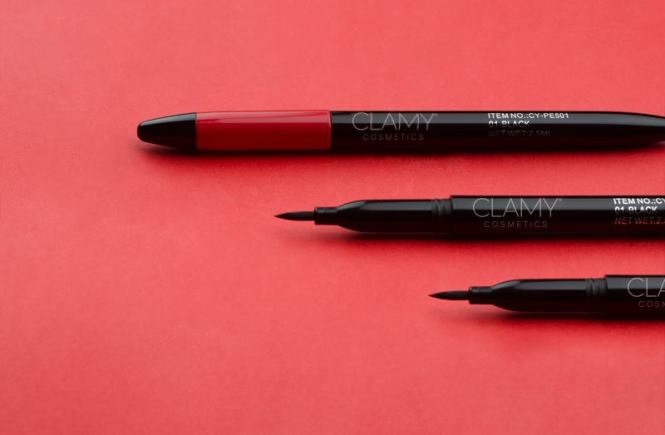 Wear Dynamic Pen Eyeliner the right way from Clamy Cosmetics