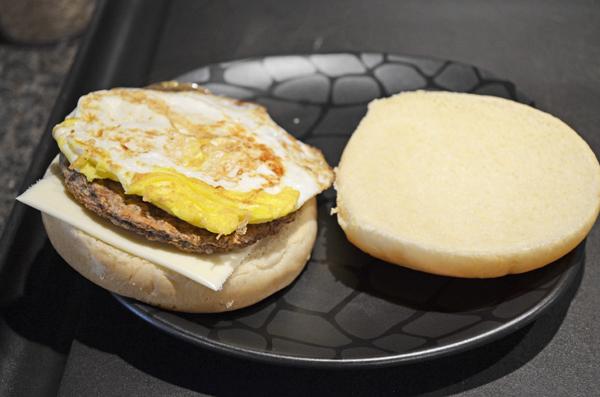 Sausage Egg and Potato Breakfast Sandwich by 3glol.net