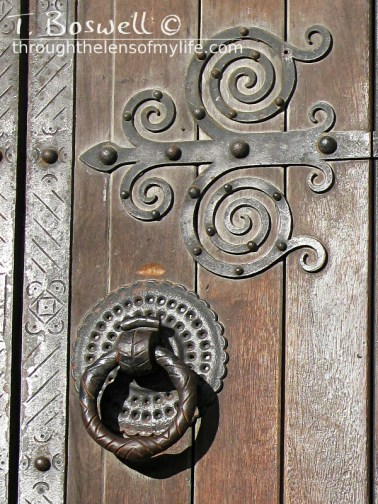IMG-4272-2-door-handle-lisbon-cathedral-vicente-esteves-3x4cp-terry-boswell-wm