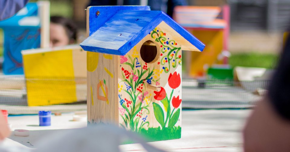 Birdhouse Decorating Contest