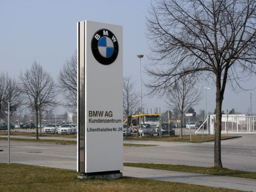 BMW-AG-Plant-sign