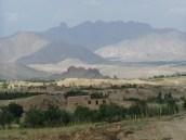 Berglandschaft im Distrikt Jaghori, Ghazni. Foto: Thomas Ruttig (2005).