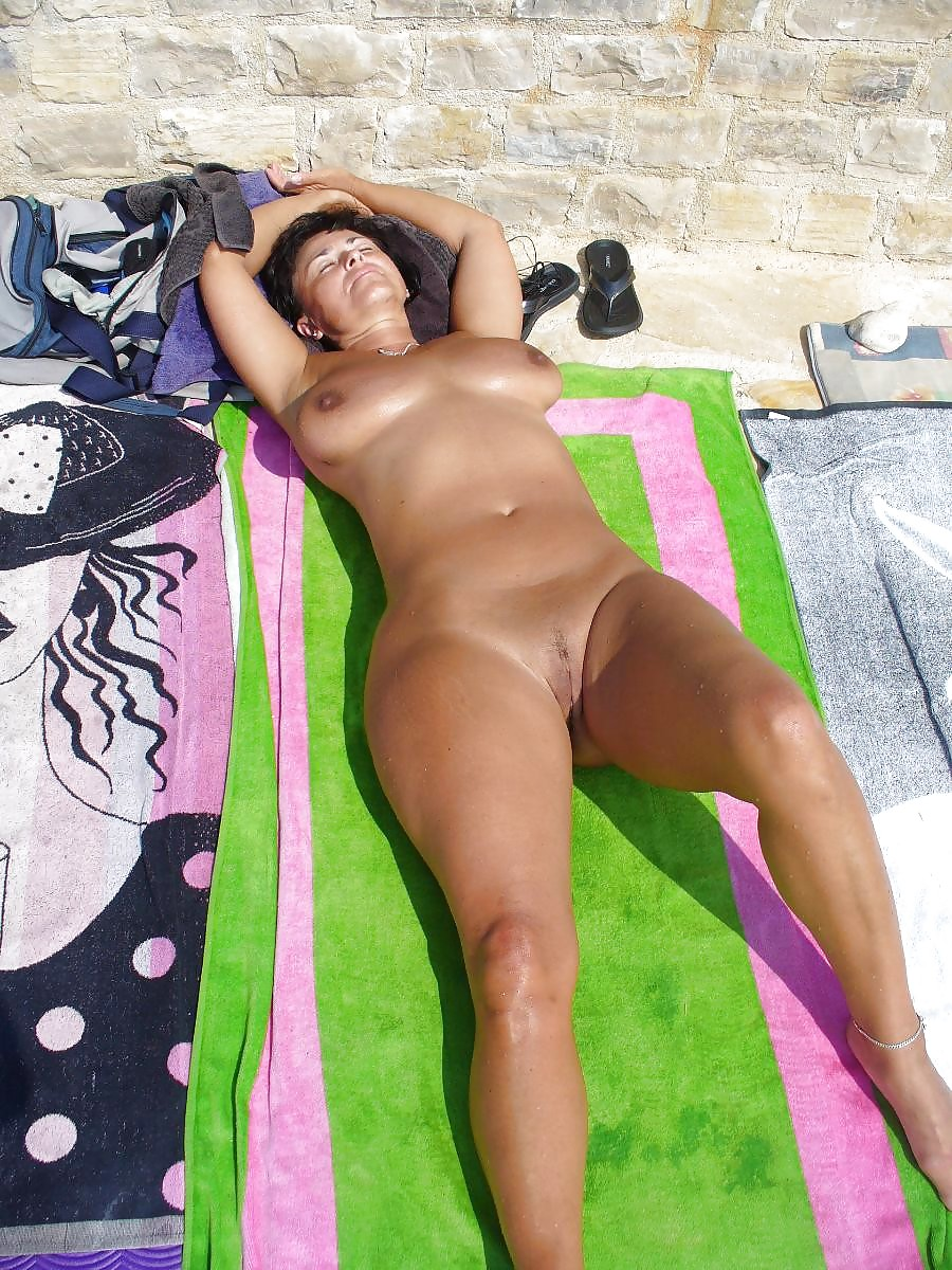 tumblr nude holiday