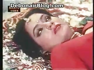 Desi piping hot suhagraat scene