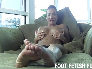 I will show you how to properly worship a womans feet