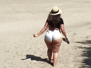 Pawg strolling on the seaside