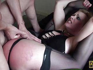 PASCALSSUBSLUTS – BDSM babe Anita Vixen eats cum after anal