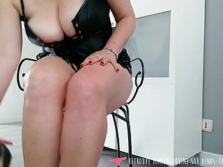 Foot Fetish French Mischievous sexy milf – Vends-ta-culotte – Beginner
